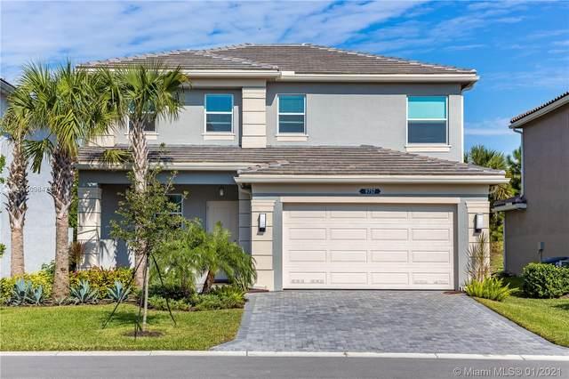 Delray Beach, FL 33446 :: Laurie Finkelstein Reader Team