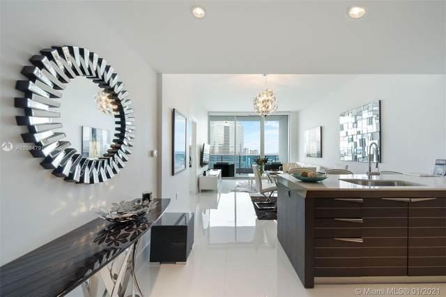 200 Biscayne Blvd Way #4414, Miami, FL 33131 (MLS #A10984791) :: Carole Smith Real Estate Team