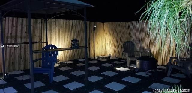 Pembroke Pines, FL 33024 :: Natalia Pyrig Elite Team | Charles Rutenberg Realty