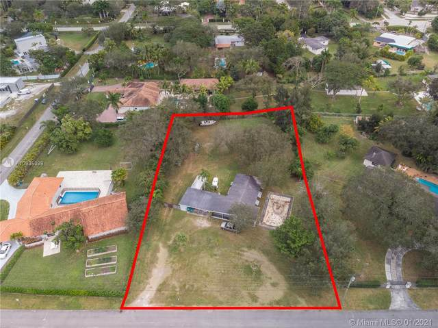 11625 SW 88th Ave, Miami, FL 33176 (MLS #A10985398) :: The Riley Smith Group
