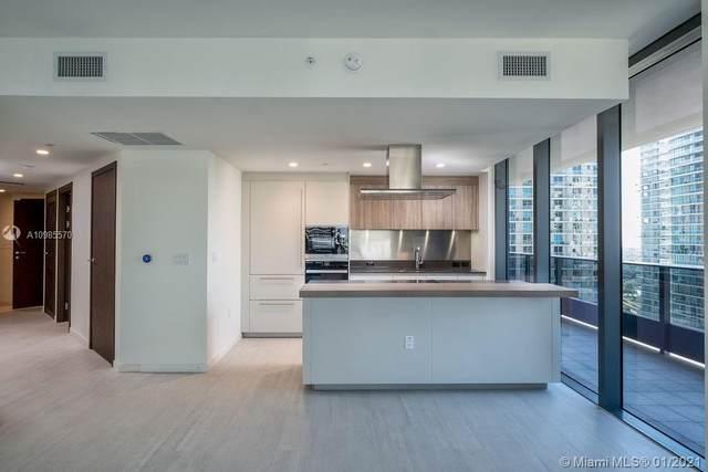 1000 Brickell Plaza #2412, Miami, FL 33131 (MLS #A10985570) :: Carole Smith Real Estate Team