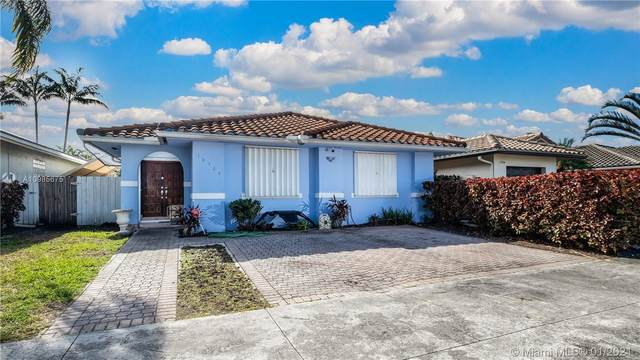 14564 SW 113th St, Miami, FL 33186 (MLS #A10985675) :: The Riley Smith Group