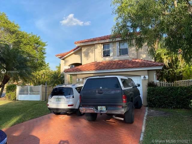 9351 SW 164th Ct, Miami, FL 33196 (MLS #A10985762) :: The Riley Smith Group