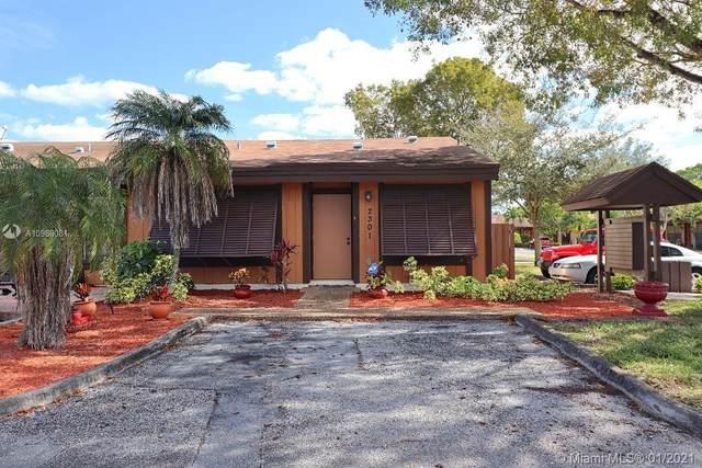 2301 Pecan Ct #2301, Pembroke Pines, FL 33026 (MLS #A10986081) :: Green Realty Properties