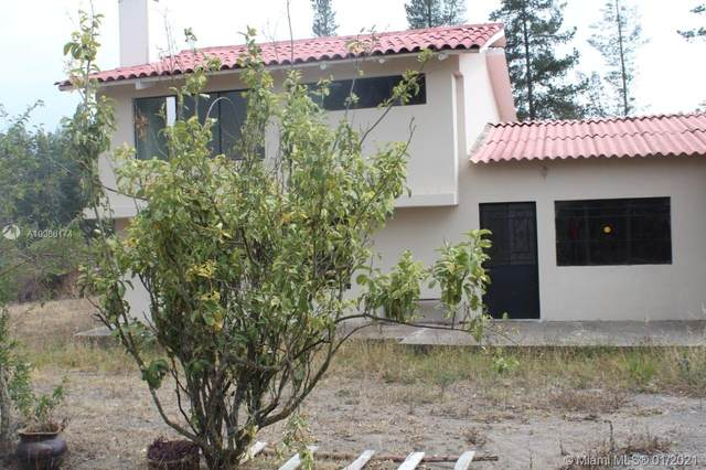 LATACUNGA Panamericana Norte, Latacunga, Cotopaxi, FL  (MLS #A10986174) :: Castelli Real Estate Services