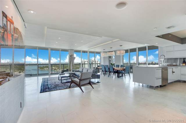10 Venetian Way #2204, Miami Beach, FL 33139 (MLS #A10986251) :: Miami Villa Group