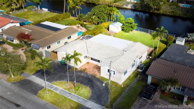 1801 SW 99th Ct, Miami, FL 33165 (MLS #A10986714) :: Douglas Elliman