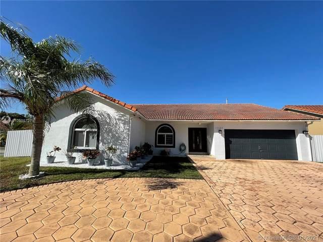 15122 SW 148th Ave, Miami, FL 33196 (MLS #A10986727) :: Carole Smith Real Estate Team