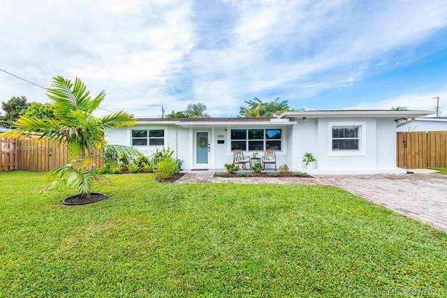 4961 SW 91st Ter, Cooper City, FL 33328 (MLS #A10986765) :: United Realty Group