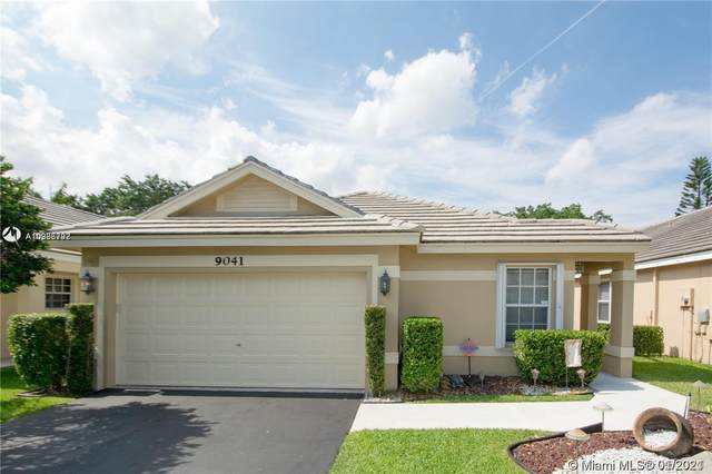 9041 N Lake Park Cir N, Davie, FL 33328 (MLS #A10986798) :: Patty Accorto Team