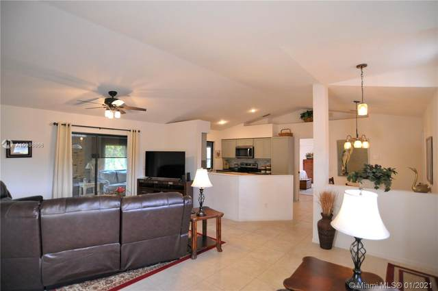 1733 SW Ardmore St Street, Port Saint Lucie, FL 34953 (MLS #A10986866) :: Miami Villa Group