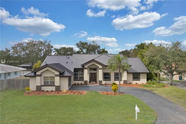 16090 SW 84th Pl, Palmetto Bay, FL 33157 (MLS #A10987104) :: Berkshire Hathaway HomeServices EWM Realty