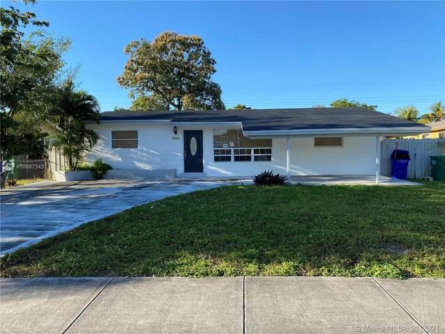 1943 Gardenia Rd, Fort Lauderdale, FL 33317 (MLS #A10987343) :: Equity Advisor Team