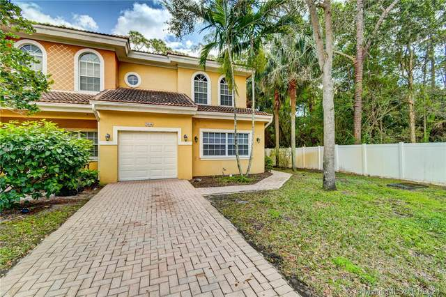 5834 Erik Way #5834, Green Acres, FL 33463 (#A10987409) :: Dalton Wade