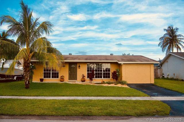 3570 NW 113th Ave, Sunrise, FL 33323 (MLS #A10987701) :: Castelli Real Estate Services
