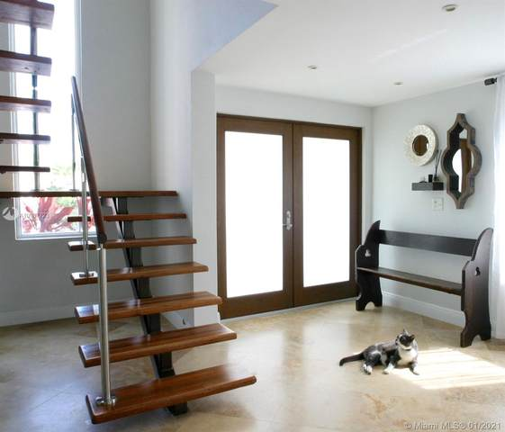 1022 Adams St, Hollywood, FL 33019 (MLS #A10987723) :: Miami Villa Group
