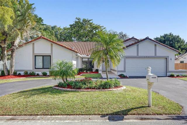 393 NW 97th Ln, Coral Springs, FL 33071 (MLS #A10987851) :: ONE Sotheby's International Realty