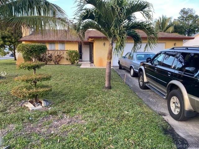 203 SE 26th Ave, Boynton Beach, FL 33435 (MLS #A10987855) :: Berkshire Hathaway HomeServices EWM Realty