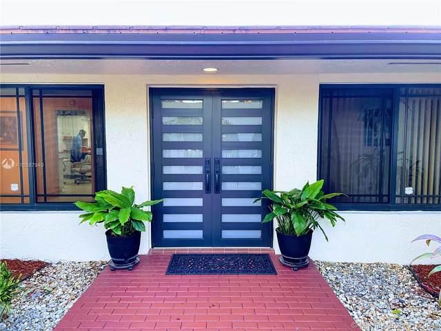 7740 NW 10th Ct, Plantation, FL 33322 (MLS #A10987940) :: The Paiz Group