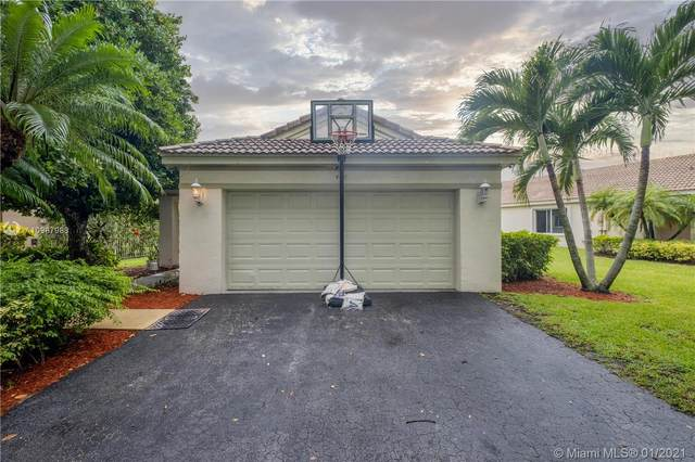 4411 Mahogany, Weston, FL 33331 (MLS #A10987988) :: The Howland Group