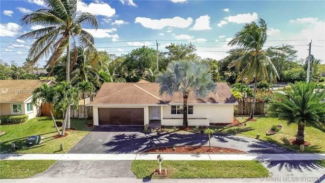 7920 NW 89th Ave, Tamarac, FL 33321 (MLS #A10988058) :: Green Realty Properties