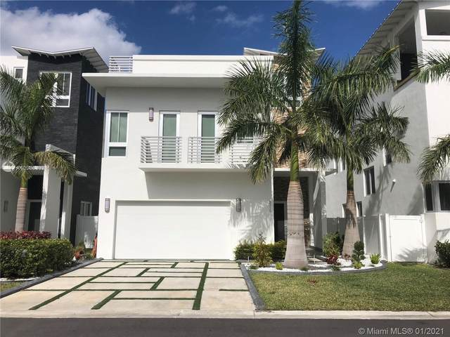8315 NW 34th Dr, Doral, FL 33122 (MLS #A10988302) :: Berkshire Hathaway HomeServices EWM Realty