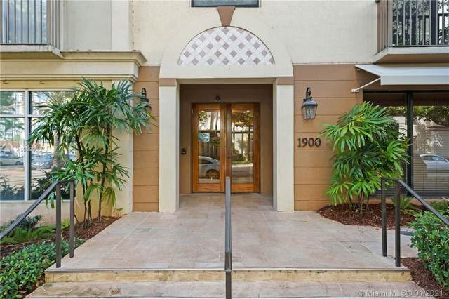 1900 Van Buren St 310B, Hollywood, FL 33020 (MLS #A10988357) :: Carole Smith Real Estate Team