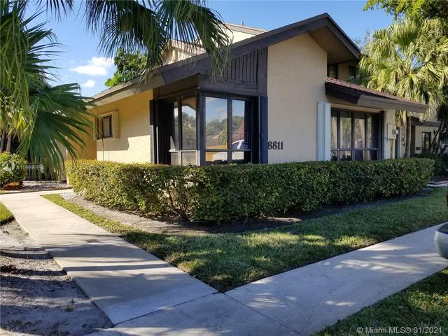 8811 Cleary Blvd, Plantation, FL 33324 (MLS #A10988554) :: The Howland Group