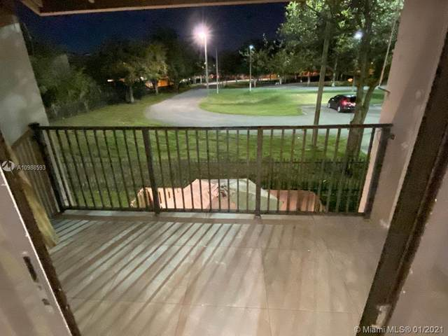 210 W Park Dr #2042, Miami, FL 33172 (MLS #A10988593) :: KBiscayne Realty
