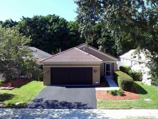 573 Talavera Rd, Weston, FL 33326 (MLS #A10988653) :: The Howland Group