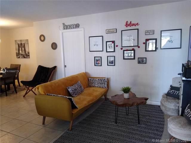 400 S Luna Ct #5, Hollywood, FL 33021 (MLS #A10988779) :: Search Broward Real Estate Team