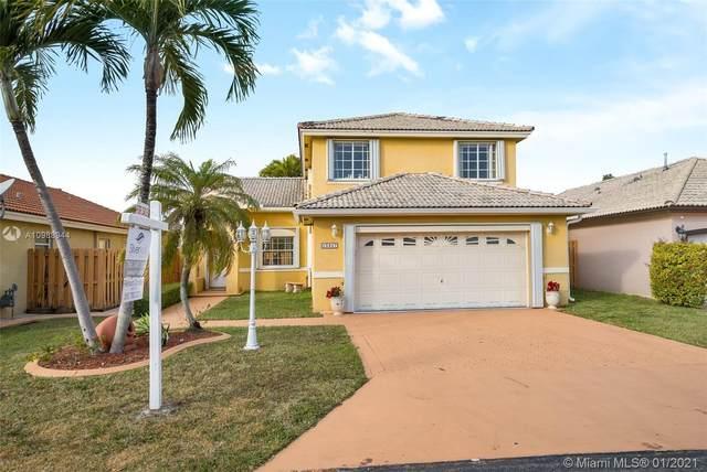 15847 SW 85th Ln, Miami, FL 33193 (MLS #A10988944) :: Miami Villa Group