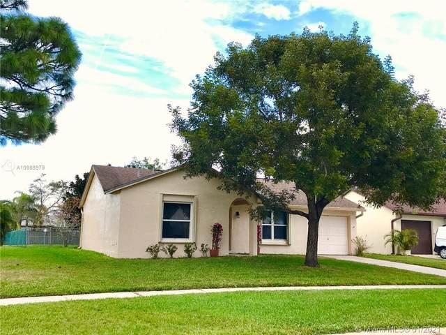 105 Lakeside Cir, Jupiter, FL 33458 (MLS #A10988979) :: Carole Smith Real Estate Team