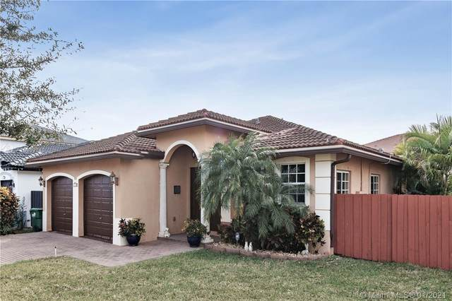 17632 SW 134th Ct, Miami, FL 33177 (MLS #A10989140) :: Berkshire Hathaway HomeServices EWM Realty