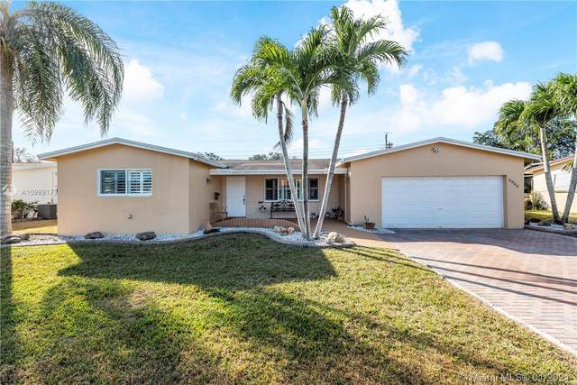 8966 SW 52nd Pl, Cooper City, FL 33328 (MLS #A10989173) :: Castelli Real Estate Services