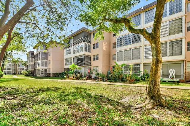 3070 NW 48th Ter #414, Lauderdale Lakes, FL 33313 (MLS #A10989371) :: The Riley Smith Group