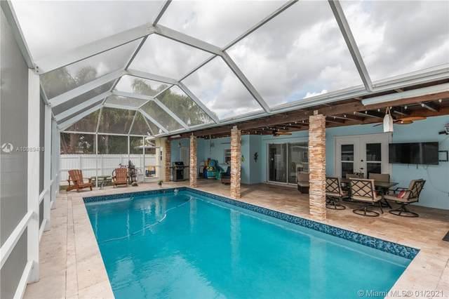9830 Santos Dr, Cutler Bay, FL 33189 (MLS #A10989418) :: Berkshire Hathaway HomeServices EWM Realty