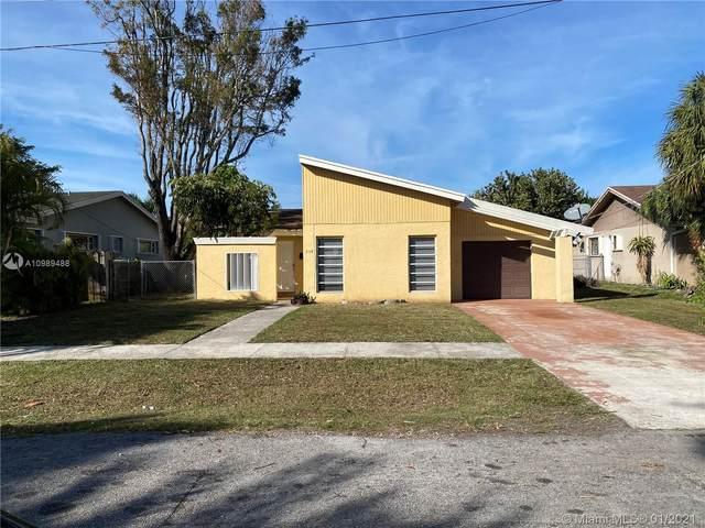 304 SW 6th St, Hallandale Beach, FL 33009 (MLS #A10989488) :: The Riley Smith Group