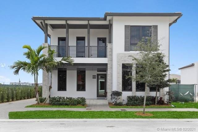 8120 NW 48th Terrace, Doral, FL 33166 (MLS #A10989701) :: ONE Sotheby's International Realty