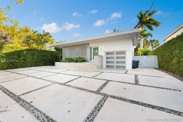 110 Venetian Way, Miami Beach, FL 33139 (MLS #A10989778) :: The Riley Smith Group