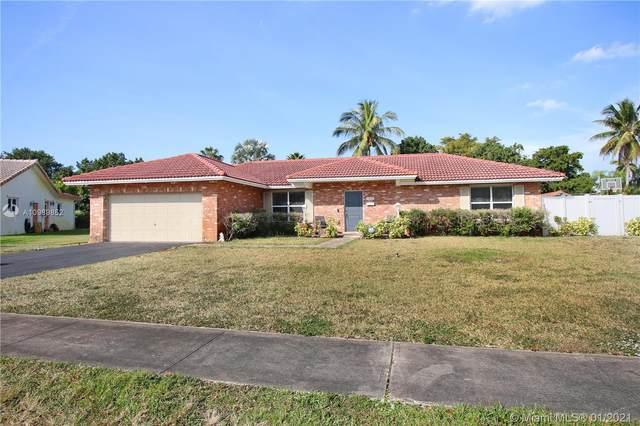 7421 SW 6th St, Plantation, FL 33317 (MLS #A10989852) :: Laurie Finkelstein Reader Team