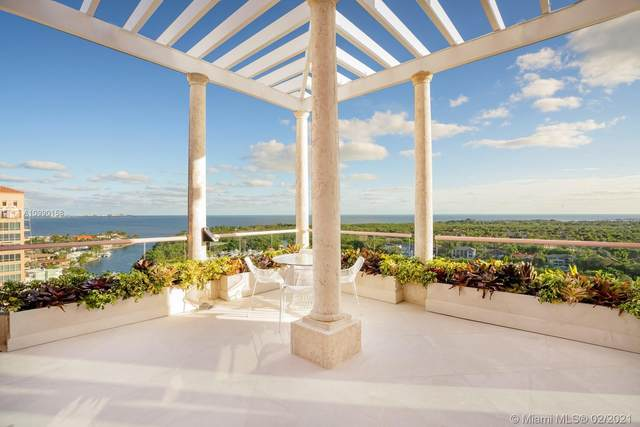 60 Edgewater Dr Ts-A, Coral Gables, FL 33133 (MLS #A10990158) :: The Teri Arbogast Team at Keller Williams Partners SW