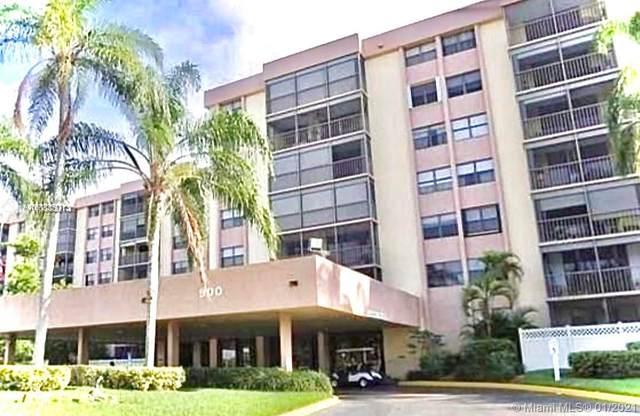 900 NE 195th St #416, Miami, FL 33179 (MLS #A10990641) :: The Teri Arbogast Team at Keller Williams Partners SW