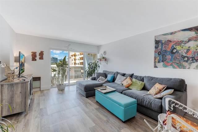 6855 Abbott Ave #302, Miami Beach, FL 33141 (MLS #A10991235) :: Green Realty Properties