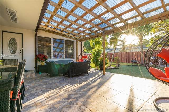 1903 Plunkett St, Hollywood, FL 33020 (MLS #A10991987) :: The Paiz Group