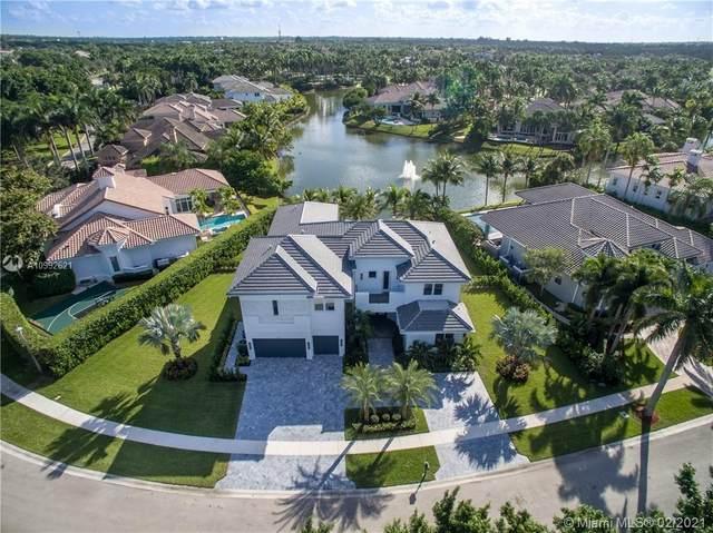 10300 Kestrel St, Plantation, FL 33324 (MLS #A10992621) :: The Riley Smith Group