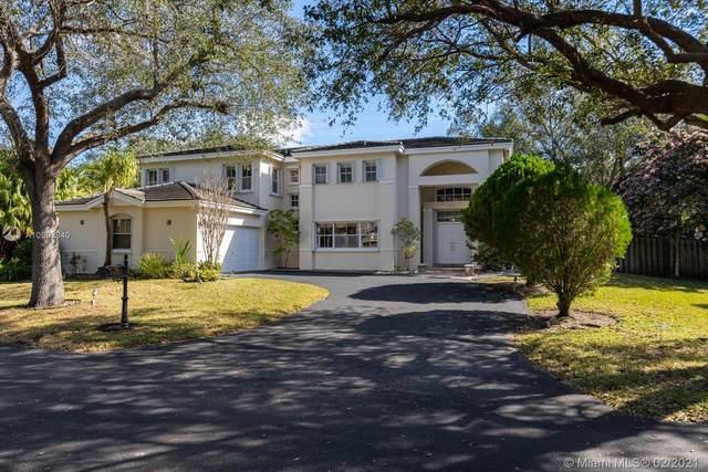 15021 SW 76th Ct, Palmetto Bay, FL 33158 (MLS #A10992840) :: The Riley Smith Group