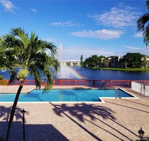 1520 Whitehall Dr #305, Davie, FL 33324 (MLS #A10993023) :: Berkshire Hathaway HomeServices EWM Realty