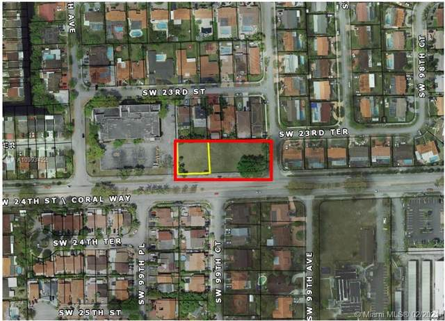 9901 SW 24th St, Miami, FL 33165 (MLS #A10993422) :: Compass FL LLC