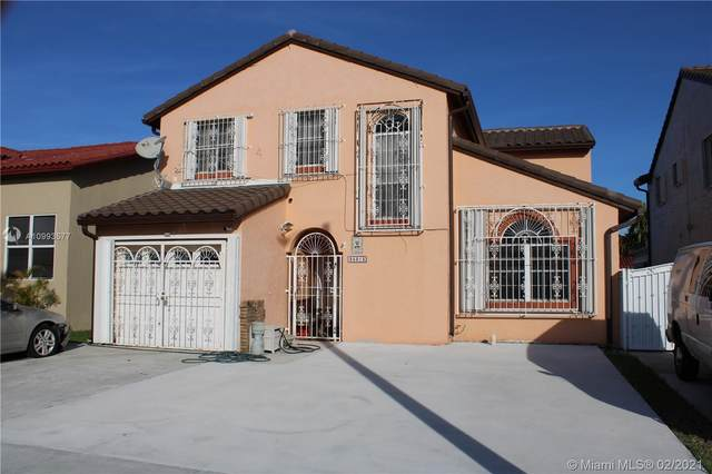 25015 SW 123rd Ct, Homestead, FL 33032 (MLS #A10993577) :: Berkshire Hathaway HomeServices EWM Realty